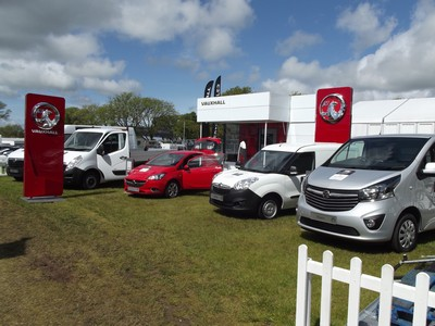 Vauxhall vans race ahead with Isle of Man TT sponsorship