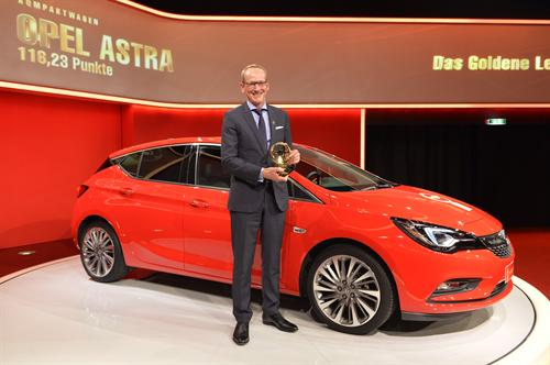 BRIT-BUILT VAUXHALL ASTRA WINS GERMANY'S 2015 GOLDEN STEERING WHEEL