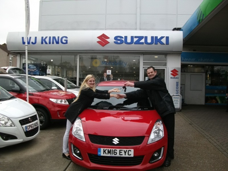 Gravesend's Ellie Crewe wins £11,500 Special Edition Suzuki Swift SZ-L during live screening of ITV's Ant and Dec's Saturday Night Takeaway