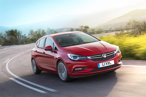VAUXHALL ASTRA SCOOPS TOP HONOURS AT CAR TECH AWARDS
