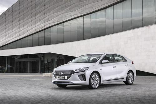 BRAND NEW HYUNDAI IONIQ AND MULTI-AWARD WINNING i10 SCOOP TRIPLE-WIN AT 2017 CARBUYER AWARDS