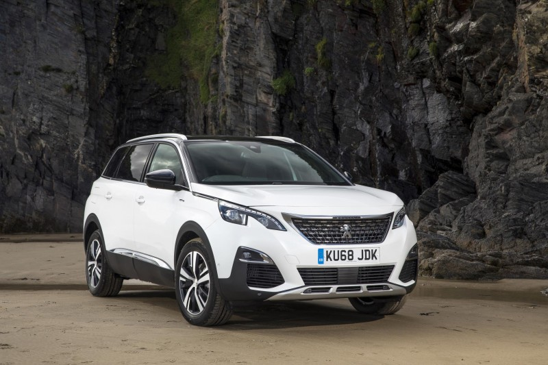 ALL-NEW PEUGEOT 5008 SUV WINS 'CROSSOVER OF THE YEAR' AT SCOTTISH CAR OF THE YEAR AWARDS 2018