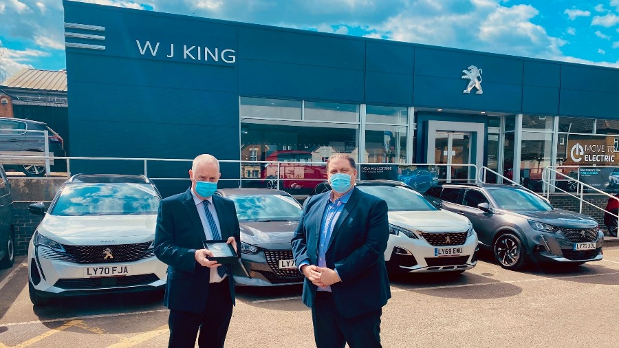 Alan Sidmore at WJ King Peugeot Aftersales has won a prestigious PEUGEOT Guild of Gold Lion Service Manager 2020 Award