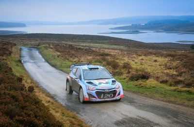 Hyundai Shell World Rally Team brings debut WRC season to a close with 3-car finish in GB